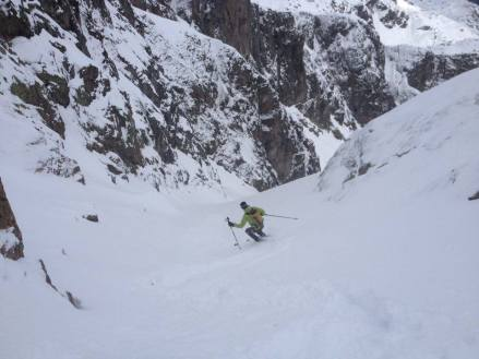First few turns in the couloir